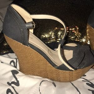 Andrea wedges